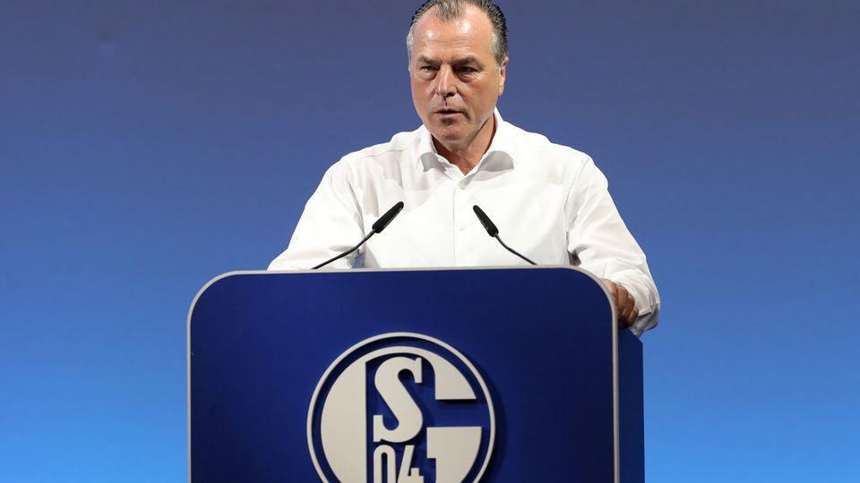 Schalkes Aufsichtsratsvorsitzender Clemens Tönnies lässt sein Amtvorerst ruhen