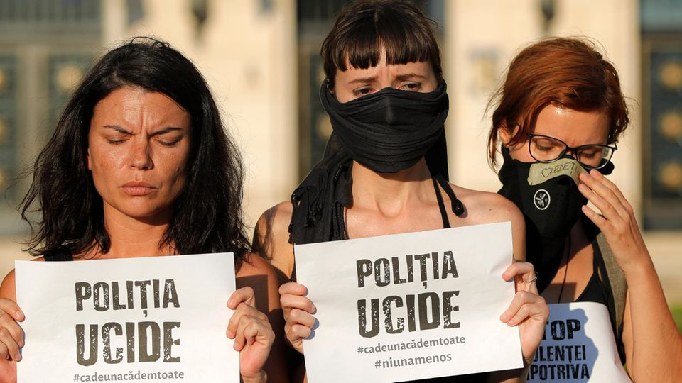 """""""Polizei mordet"""":Frauen in Bukarest demonstrieren nach den Morden an zwei Mädchen"""