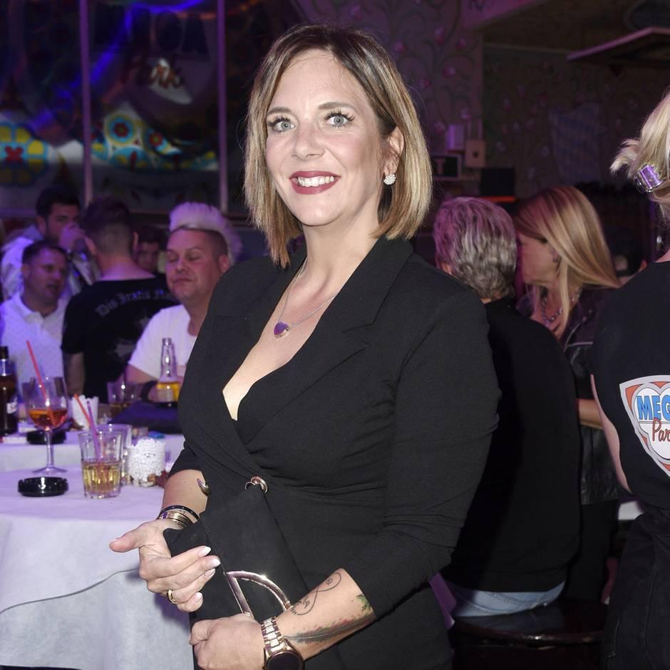 """Witwe von Jens Büchner: """"Es ist wie im Ghetto"""": Daniela Büchner beurteilt das """"Sommerhaus der Stars"""""""