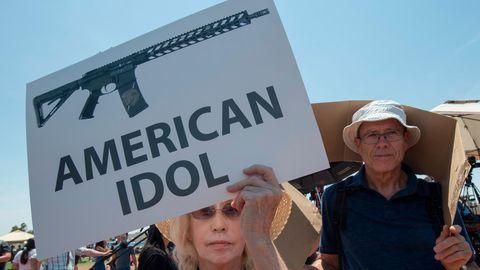 Waffen - american idol - Amnesty spricht eine Resiewarnung aus
