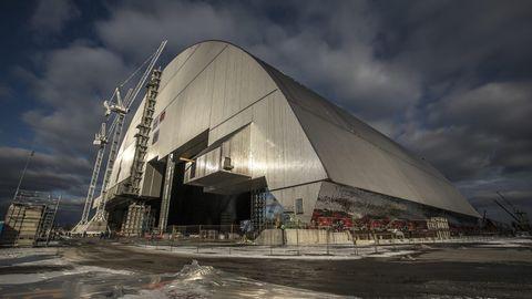 Die neue Schutzhülle über derAtomruine von Tschernobyl