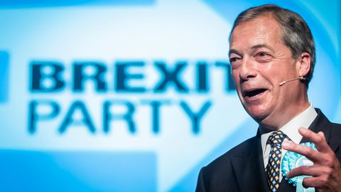 Nigel Farage, Chef der Brexit-Partei, hierbei einer Wahlkampfrede im Juni inPeterborough in Großbritannien