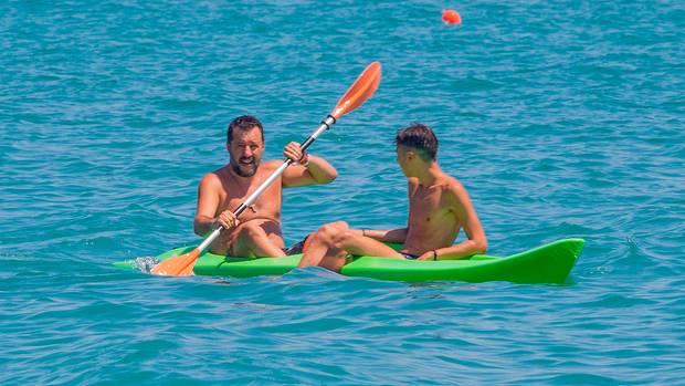 Matteo Salvini fährt Kanu