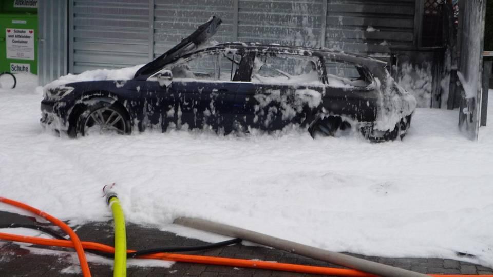 nachrichten deutschland - auto abgefackelt