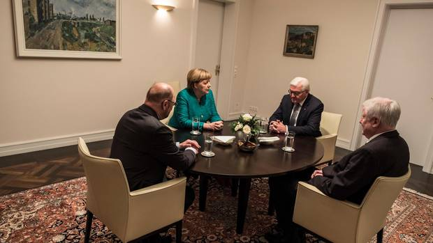 Der Widerspenstigen Zähmung: Nach den gescheiterten Jamaika-Verhandlungen bugsierte Steinmeier Angela Merkel, Martin Schulz und Horst Seehofer in die Große Koalition