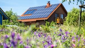 Südlage und keine Verschattung - unter diesen Bedingungen lohnt sich eine Solaranlage besonders.