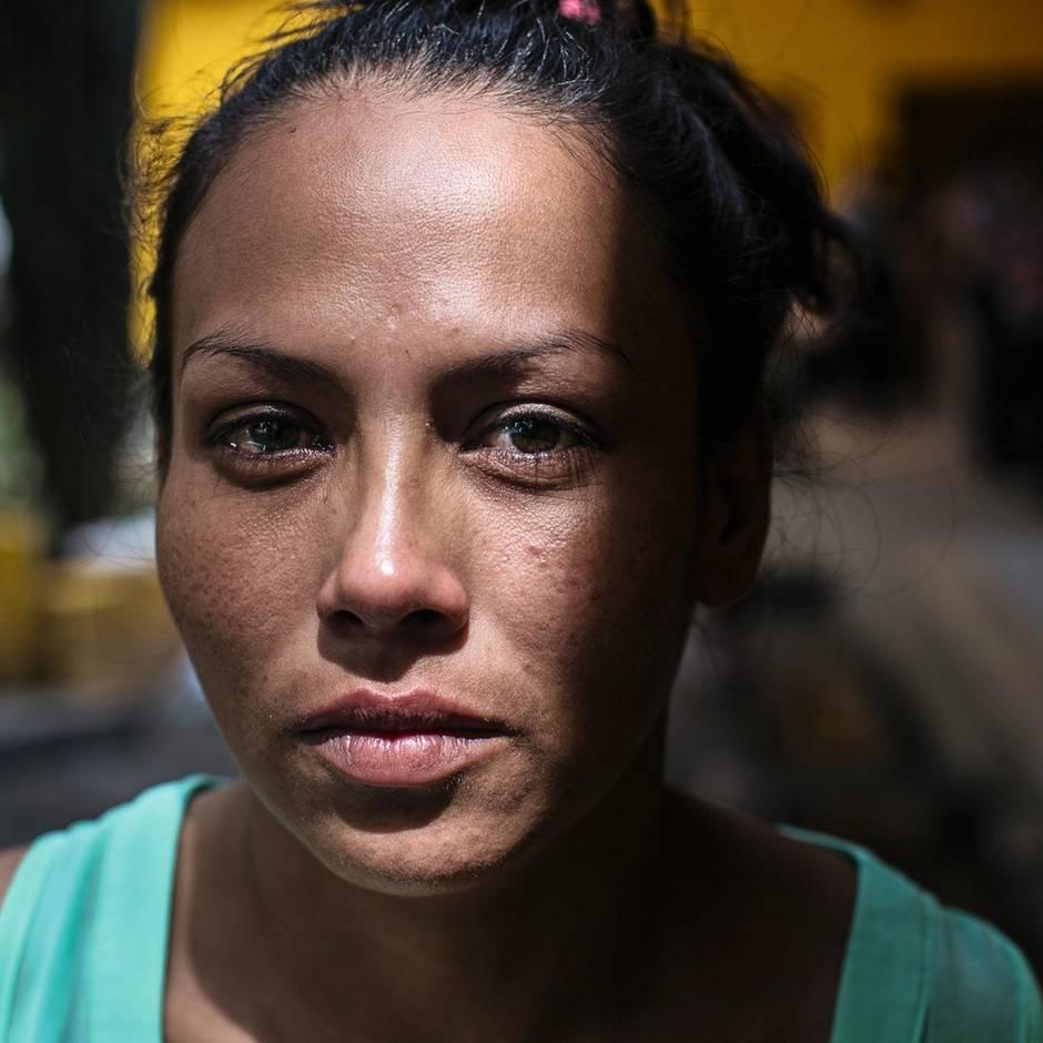 +++ Spenden-Ticker +++: Eine Woche konnte Alba Rodríguez mit ihren Töchtern verbringen, dann musste sie fliehen