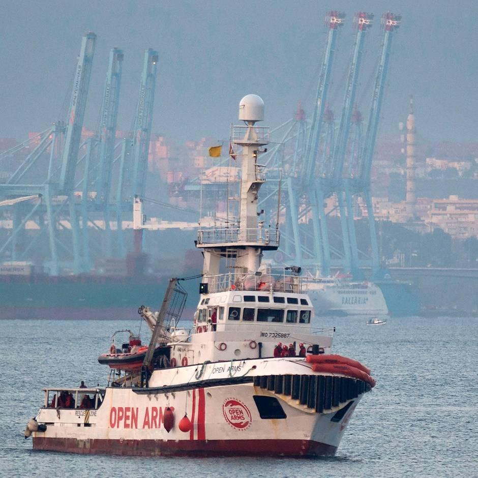 News von heute: Rettungsschiff Open Arms darf in ialienischen Hafen einlaufen