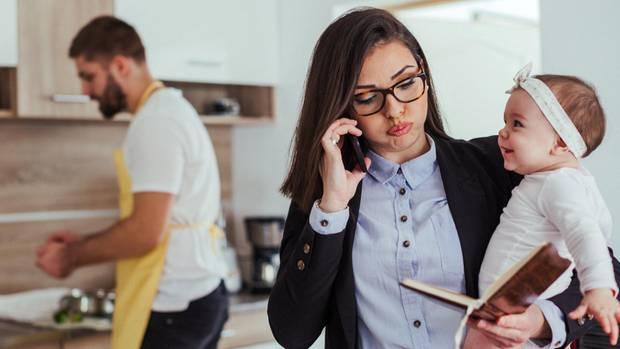 Studie Multitasking: Frauen sind nicht besser im Multitasking als Männer