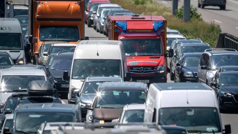 Straßenverkehrsordnung - Bußgelder - Rettungsgasse - Parken