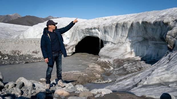 Außenminister Heiko Maas (SPD) besichtigt einen Gletscher bei Pond Inlet in der kanadischen Arktis