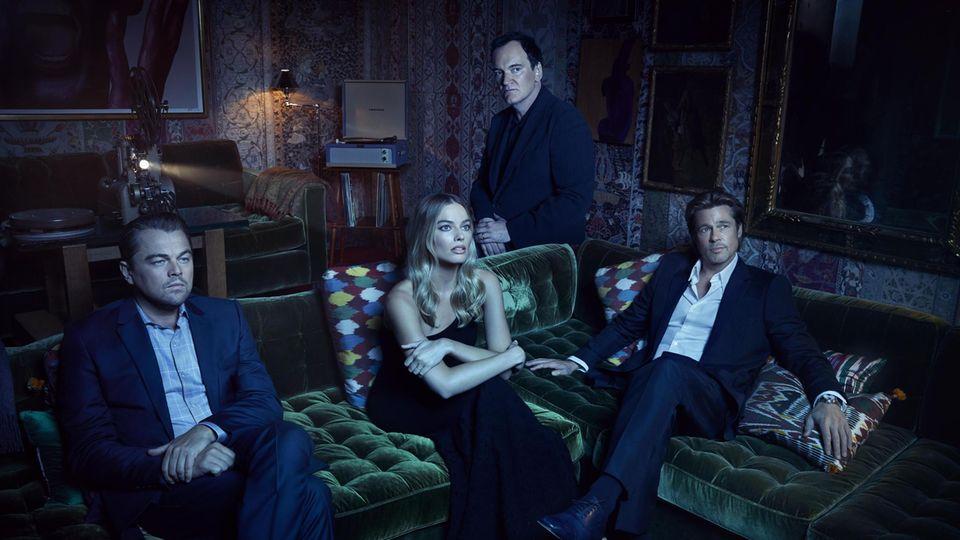 Vereint in der Liebe zum Kino: Schauspieler Leonardo DiCaprio, Margot Robbie und Brad Pitt (vorn), Regisseur Quentin Tarantino (hinten)