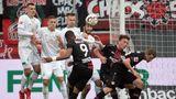 Bundesliga neu - Freistoßmauer ohne Gegner