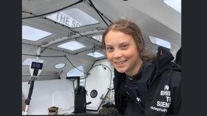 Alles klar auf der Malizia: Greta Thunberg ist trotz des heftigen Wellengangs bislang nicht seekrank geworden, sagt sie
