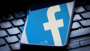 """In einem Posting auf Facebook schwärmte die Diplomatin von einem """"weißen Europa"""""""