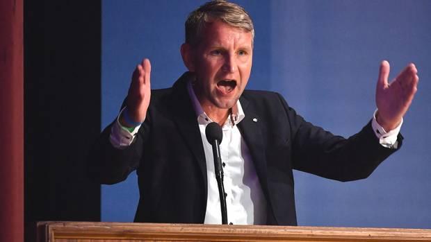 """Björn Höcke auf AfD-Parteitag: """"Starten Abschiebeinitiative 2020"""""""