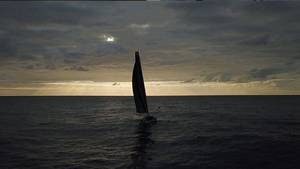 """Die """"Malizia II"""" mit Greta Thunberg an Bord segelt in die Nacht"""
