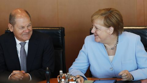 Olaf Scholz und Angela Merkel - Groko erhält glänzendes Zeugnis
