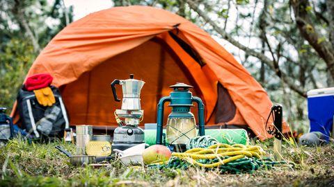 Im Campingurlaub fehlt es an Luxus