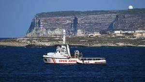 "Schiff ""Open Arms"" vor Lampedusa"