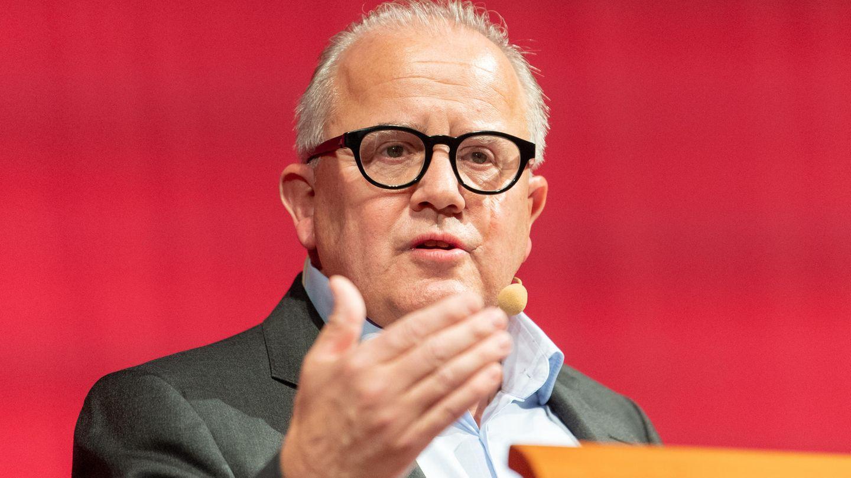Nur ein Grüßaugust oder ein gestaltender DFB-Präsident?FritzKeller stellt sich den Profi- sowie den Amatuerclubsin Berlin vor