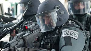 Die Beamten riefen Kräfte des Spezialeinsatzkommandos zu Hilfe