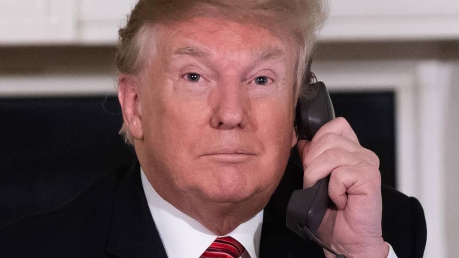 Donald Trump am Telefon