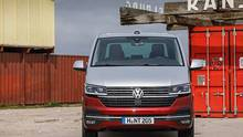 Der Volkswagen T6.1 hat vorne ein ausgeprägteres Design bekommen