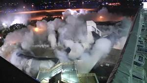 Parkhaus am US-Flughafen Tampa wird gesprengt.