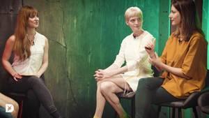 """Vorsitzende desDeutschen Startup-Verbands und """"Civey""""-Mitgründerin Janina Mütze (m.)und Co-Gründerinvon """"Kleiderei"""" PolaFendel (r.) in der DISKUTHEK"""