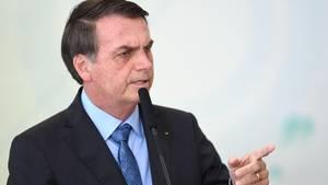 BrasiliensPräsident Jair Bolsonaro vermutet hinter den Waldbränden eine Racheaktion von Umweltschützern