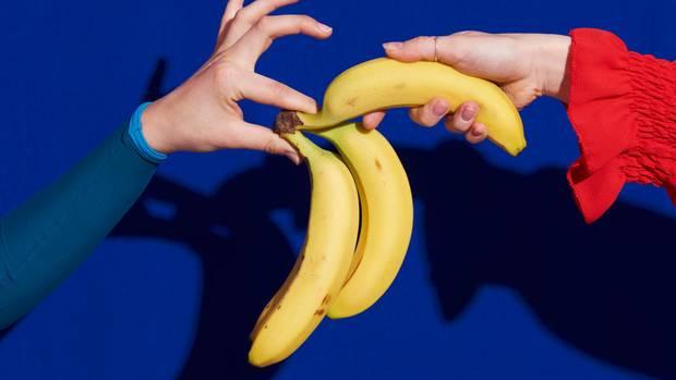 Personen mit Banane