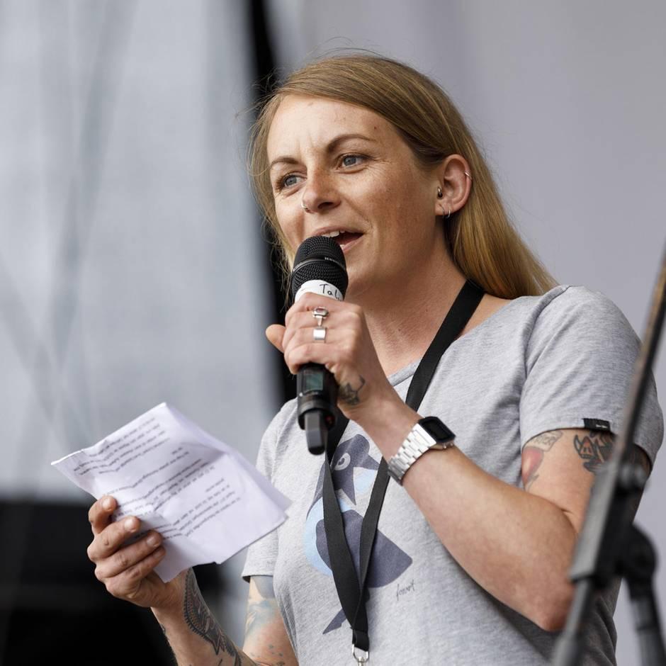 "Kritik am Umgang mit Migranten: ""Sea-Watch""-Kapitänin Klemp lehnt Pariser Verdienstmedaille ab"