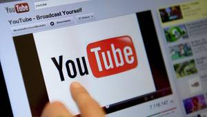 Youtube weist indirekt auf China hin, das offenbar hinter den Propaganda-Kanälen steckt