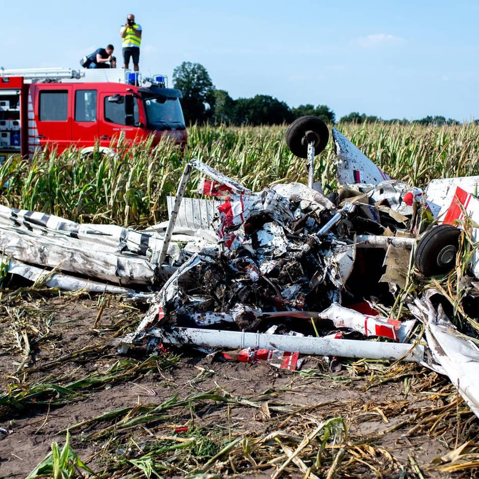 Nachrichten aus Deutschland: Pilot stirbt bei Absturz eines Kleinflugzeugs