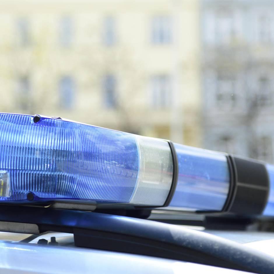 Erfurt: Sie sollte abgeschoben werden: Frau will sich mit Kindern aus Fenster stürzen