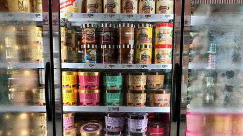 Eiscreme in einem amerikanischen Supermarkt