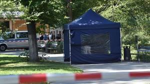 Beamte der Spurensicherung übernahmen den Tatort in Berlin