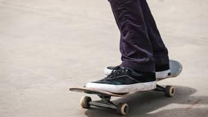 Ein Skateboardfahrer als Symbolfoto für Nachrichten aus Deutschland