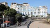 In den drei Tagen kommen die Mächtigen imBellevue Hotel zusammen, das großräumig abgeriegelt undvon Hunderten von Polizisten bewacht wird.