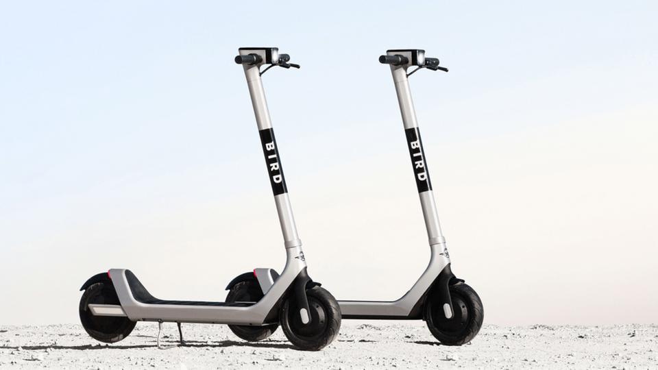 Der Bird Two entscheidet sich deutlichvon den Scootern der ersten Generation.
