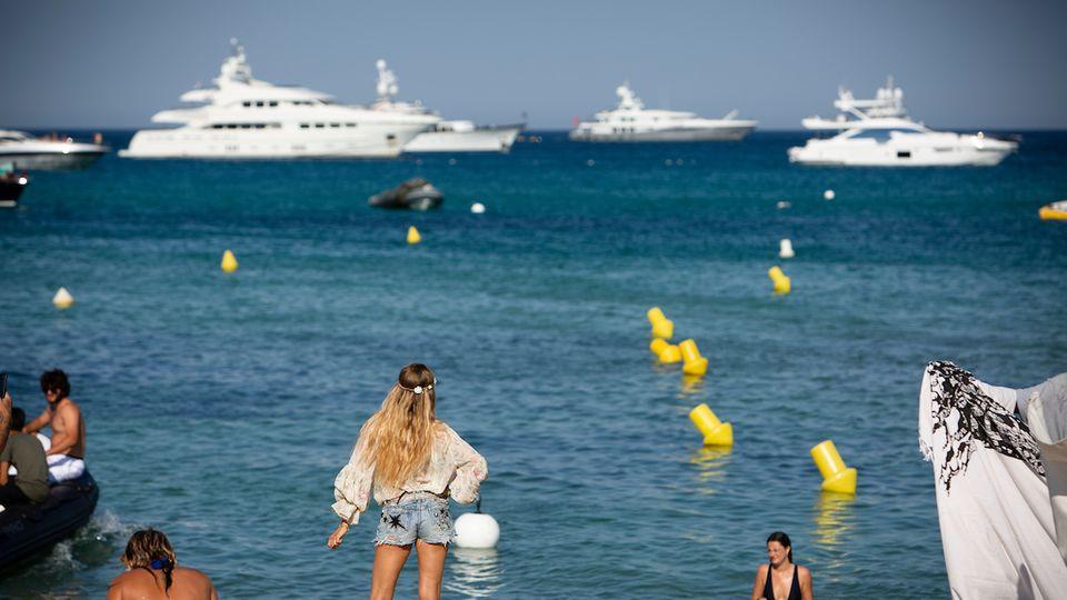 """Durchschnorren bedeutet nicht automatisch """"Begpacken"""": So heißt es, wenn sich reiche Abiturienten durch arme Reiseländer betteln. Nicht unser Reporter, ganz sicher nicht an der Côte d'Azur"""
