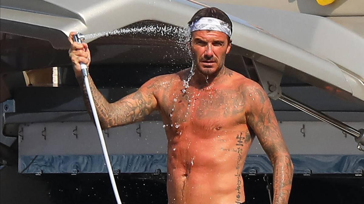 Auf der Jacht von Elton John: Alle haben Spaß, nur Victoria will nicht ins Wasser: So urlauben die Beckhams