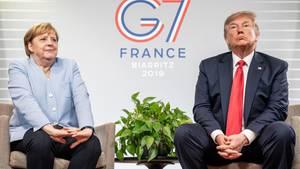 Merkel kommentiert Trump mit witzigen Gesten