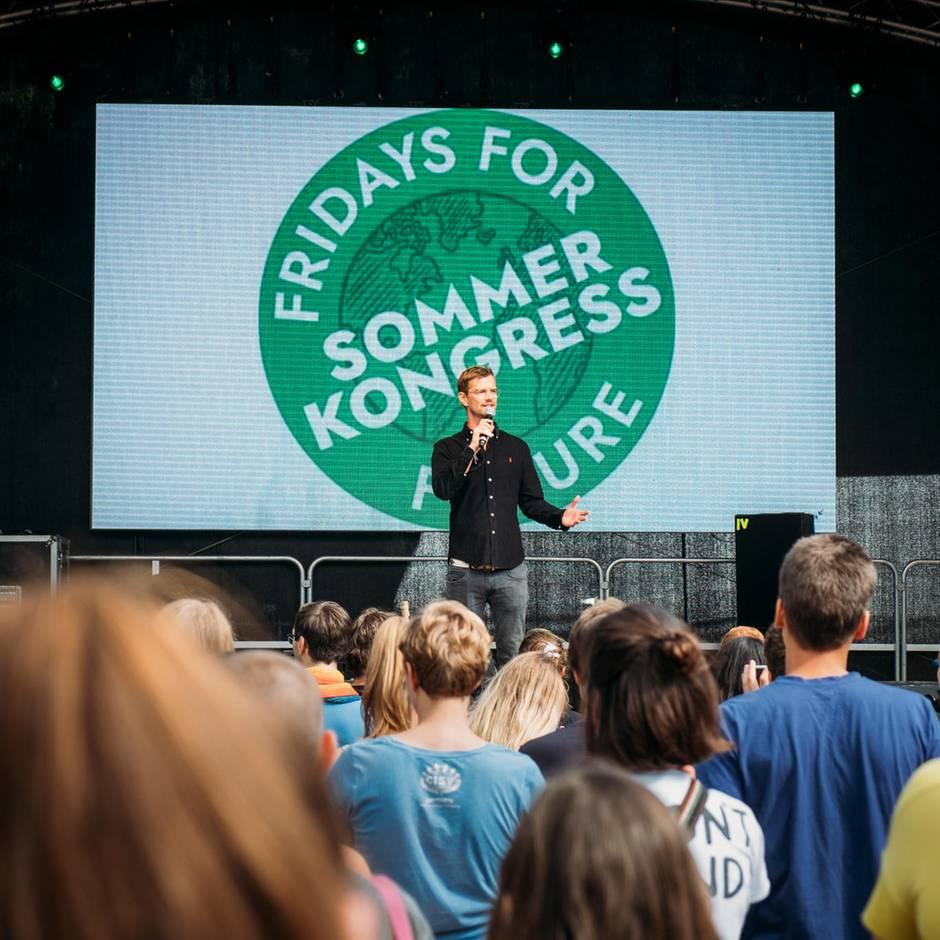 Joko Winterscheidt bei Fridays for Future: Unangenehme Wahrheit mitgebracht