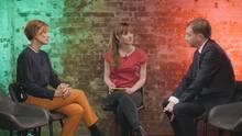 Katja Kipping, DISKUTHEK-Moderatorin Melanie Stein und Michael Kretschmer