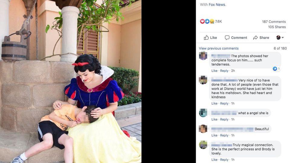 Screenshot aus Facebook zeigt Darstellerin von Schneewittchen, wie sie einen autistischen Jungen tröstet