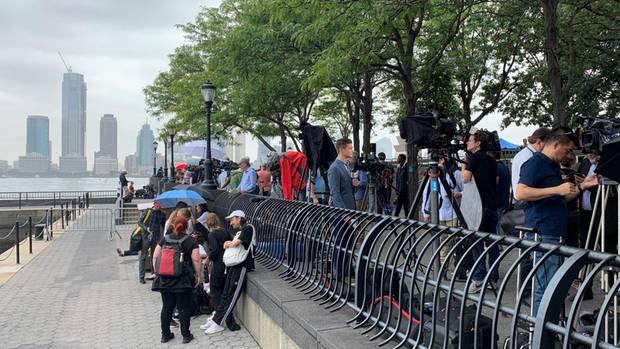 New York - Journalisten warten auf Greta Thunberg