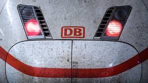 """""""Schaden in der Oberleitung: Das geplante Desaster der Deutschen Bahn""""von Arno Luik"""