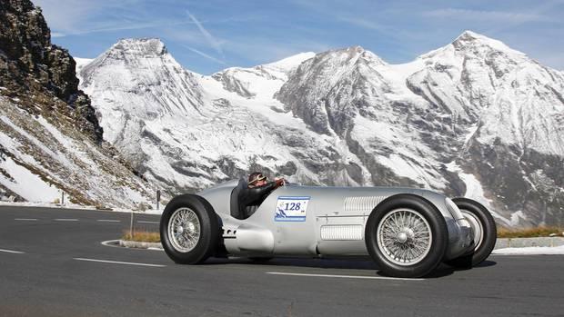 Ein Mercedes Silberpfeil